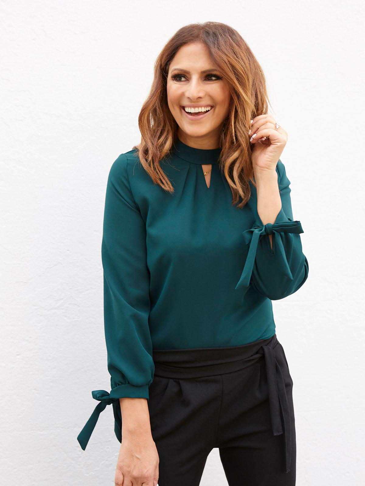 MODERN VIBE BLOUSE IN DEEP GREEN