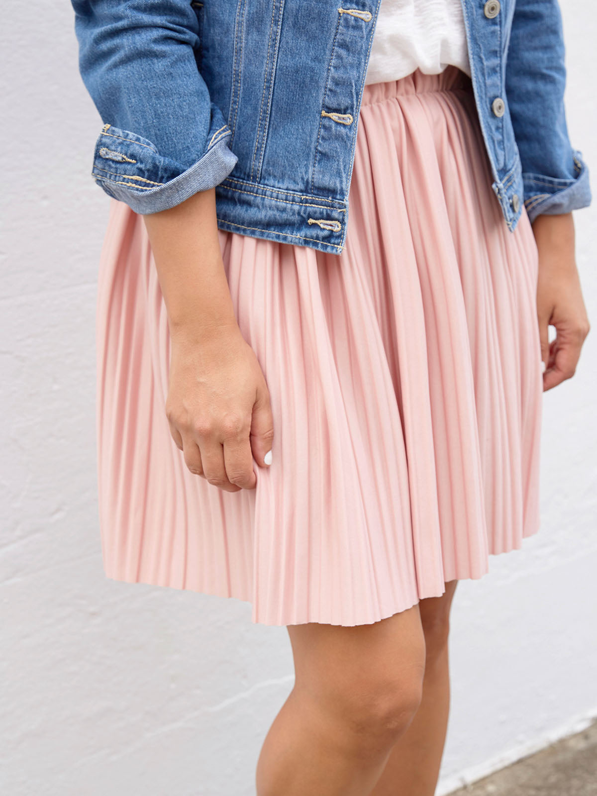 STARS IN OUR EYES PLEATED SKIRT IN PINK