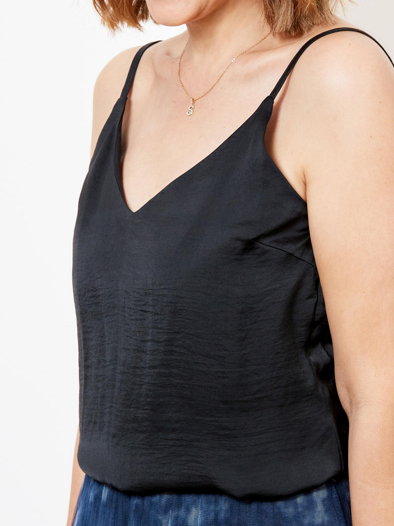 SWEET STYLE BLACK CAMI