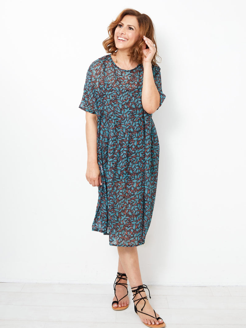 TWILIGHT ALLURE FLORAL DRESS