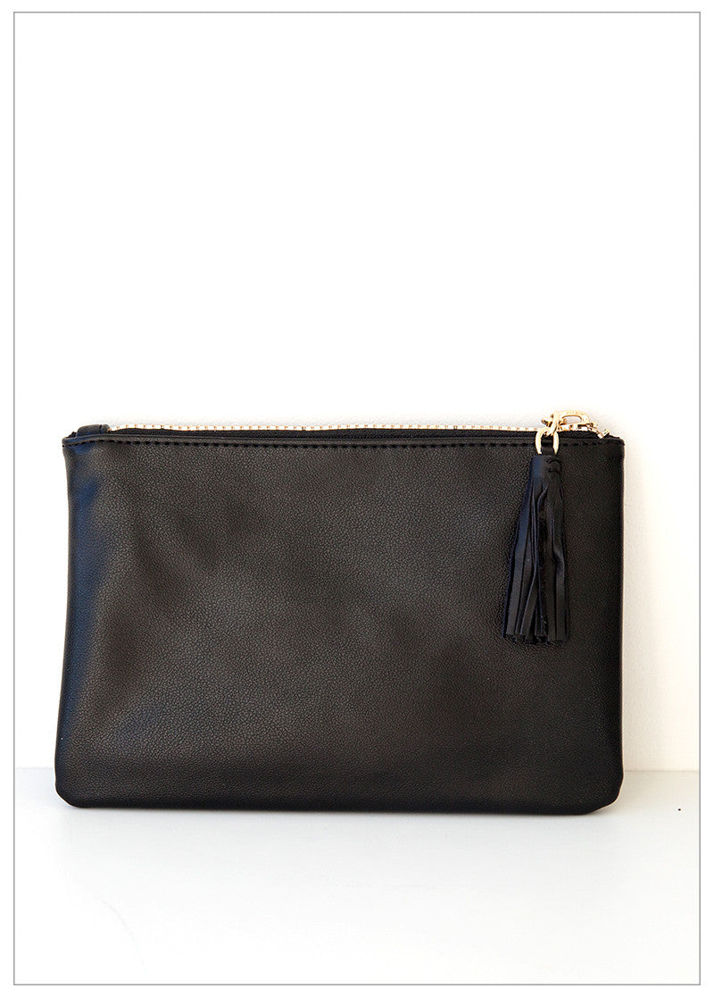 ZOE TASSEL ZIP CLUTCH - BLACK