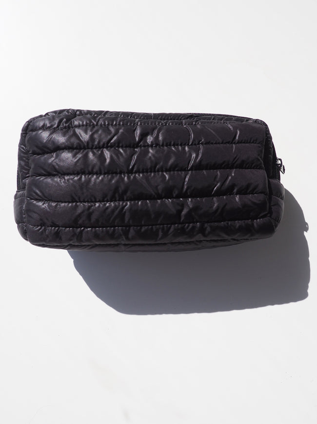 BACKSTAGE PASS PUFFER CLUTCH IN BLACK