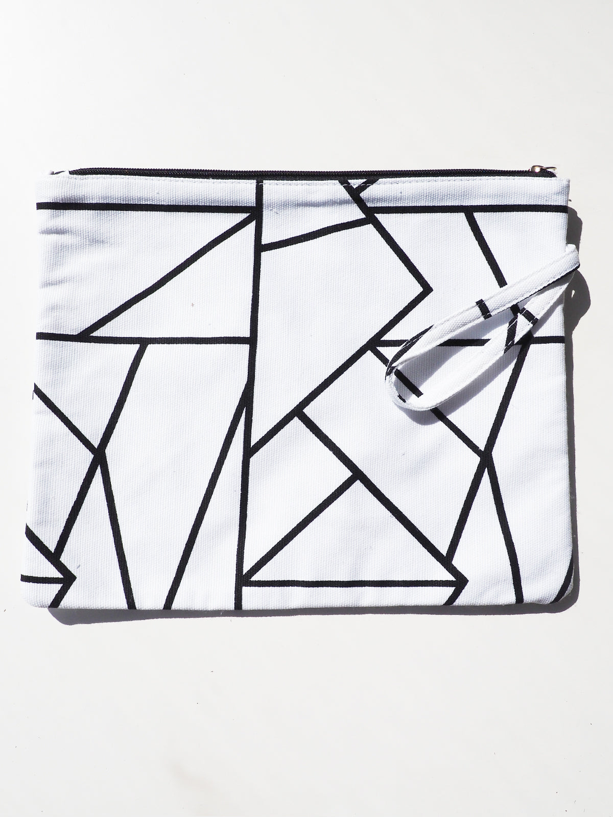 BETWEEN THE LINES MAKEUP BAG