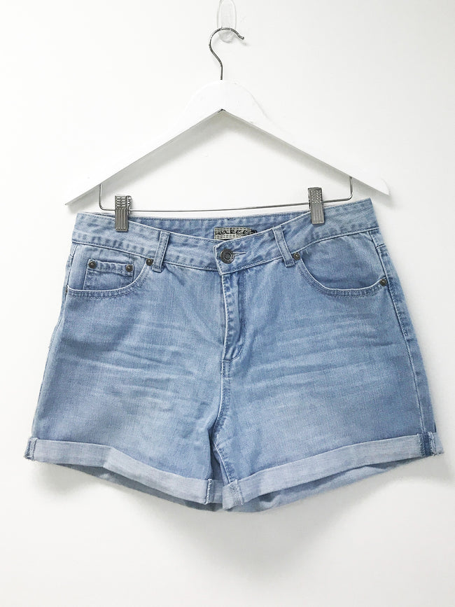 SUMMER BABE DENIM SHORTS