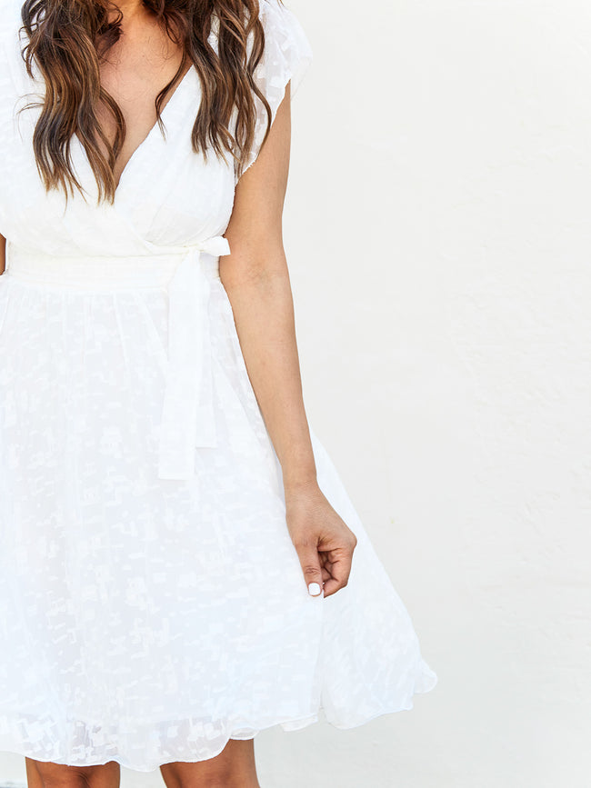 MODERN ROMANCE WHITE DETAILED DRESS