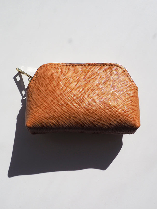 THE ESSENTIAL ZIP POUCH - TAN
