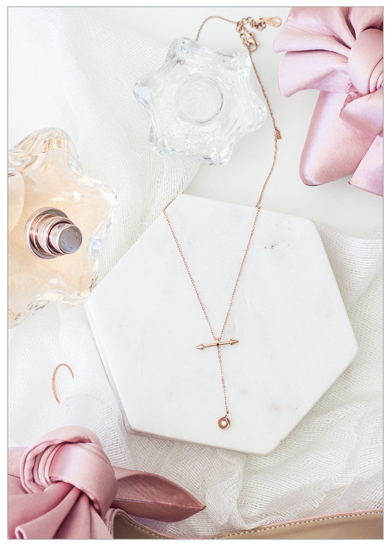 EAST TO WEST ROSE GOLD NECKLACE
