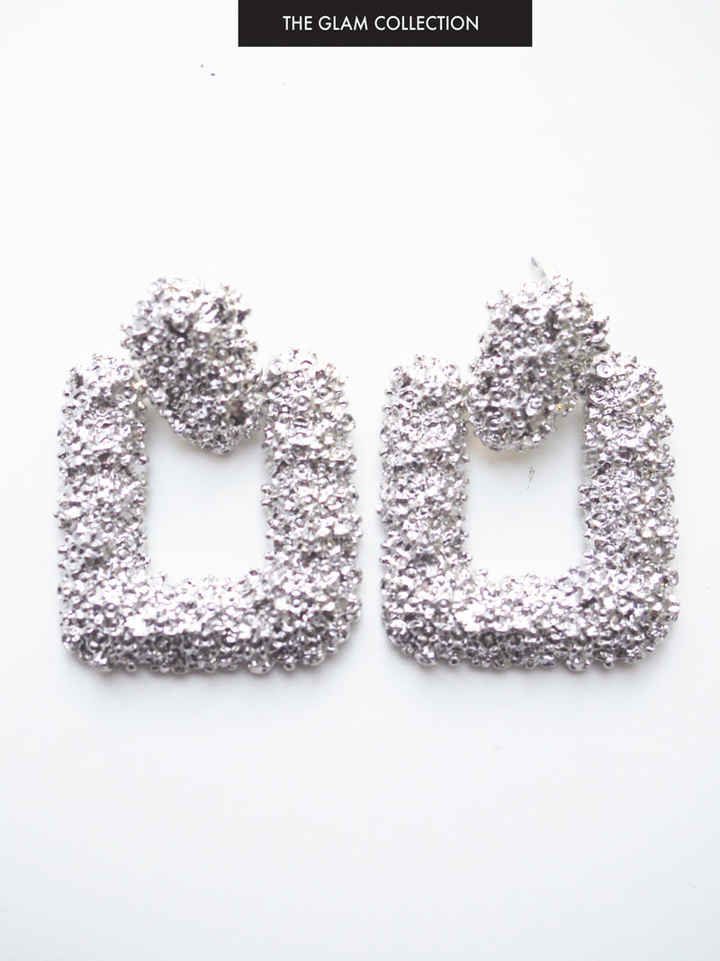 THE MANHATTAN ROMANCE TEXTURED EARRING IN SILVER