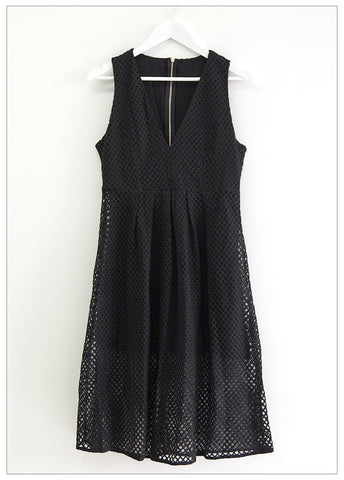 NOW OR NEVER LACE DRESS - BLACK