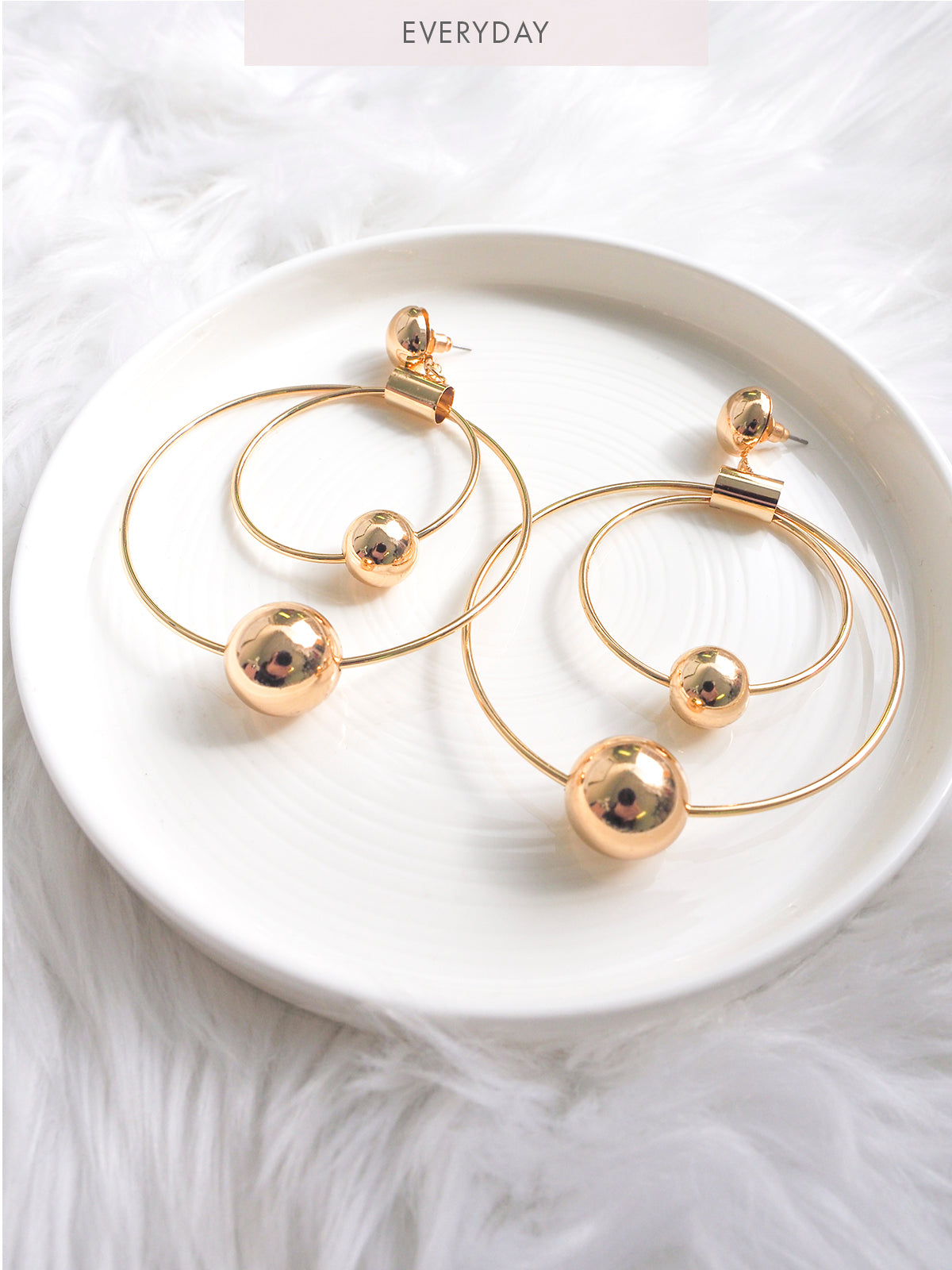 WAITING FOR TONIGHT STATEMENT HOOP EARRINGS-GOLD