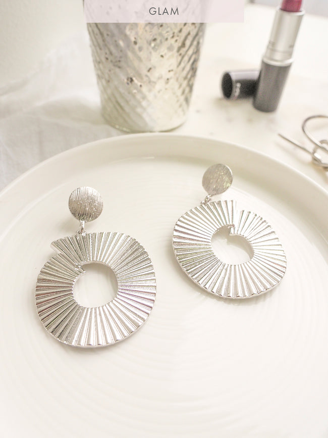 LOVE EMPIRE STATEMENT EARRING - SILVER