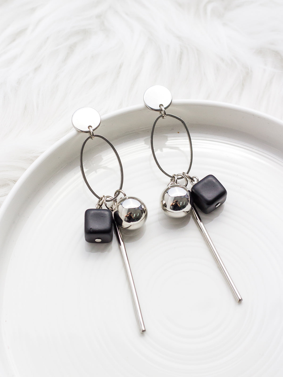 DON'T LET GO STATEMENT EARRINGS - SILVER