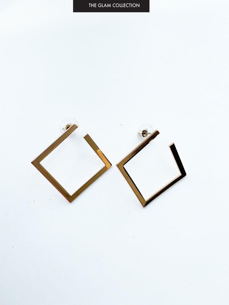 THE SWEETEST LOVE GOLD EARRINGS