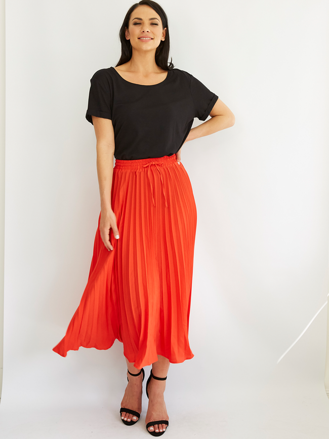 TANGO IN TOULOUSE PLEATED RED SKIRT