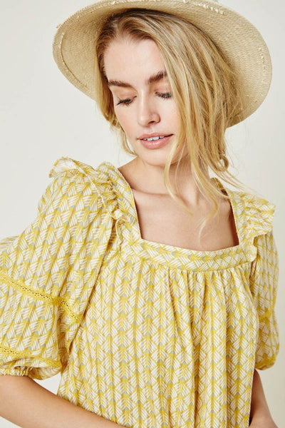 Mountainside Ruffle Puff Sleeve Top