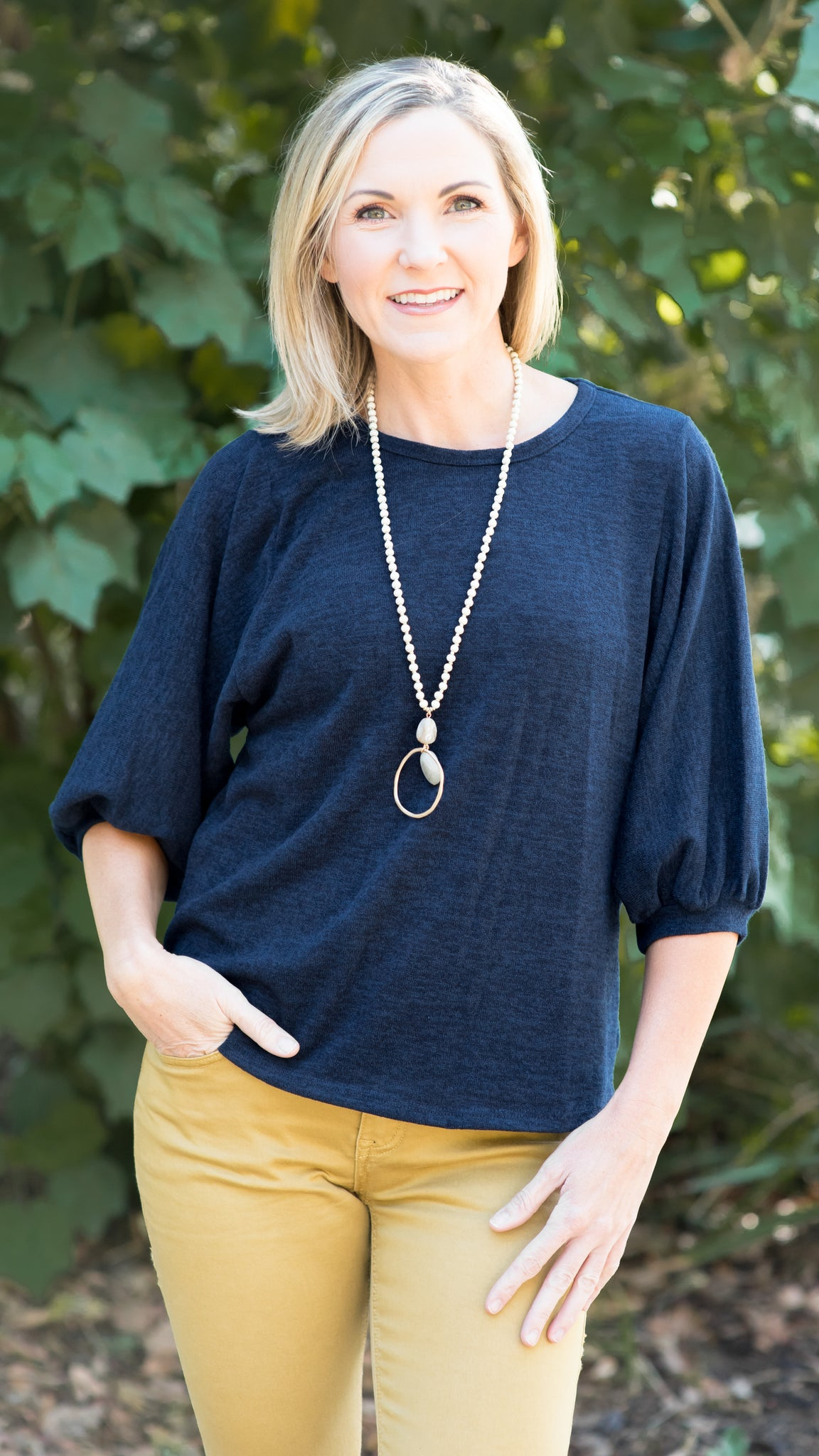 Casual Knit Puff Sleeve Top in Navy