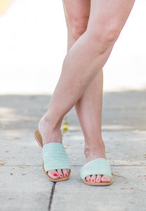 Fresh Step Raffia Slide in Mint