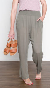 Casual Friday Cropped Taper Pant- Olive