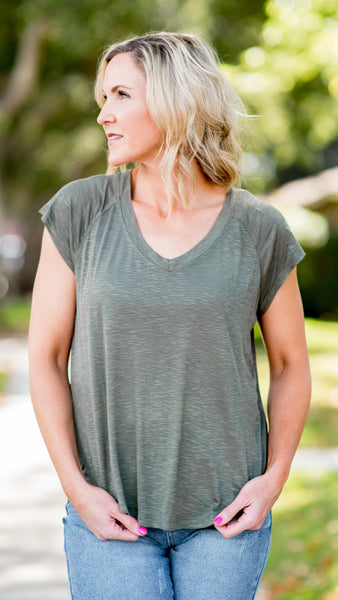 Essential Short Sleeve Round Hem Top-3 Colors!