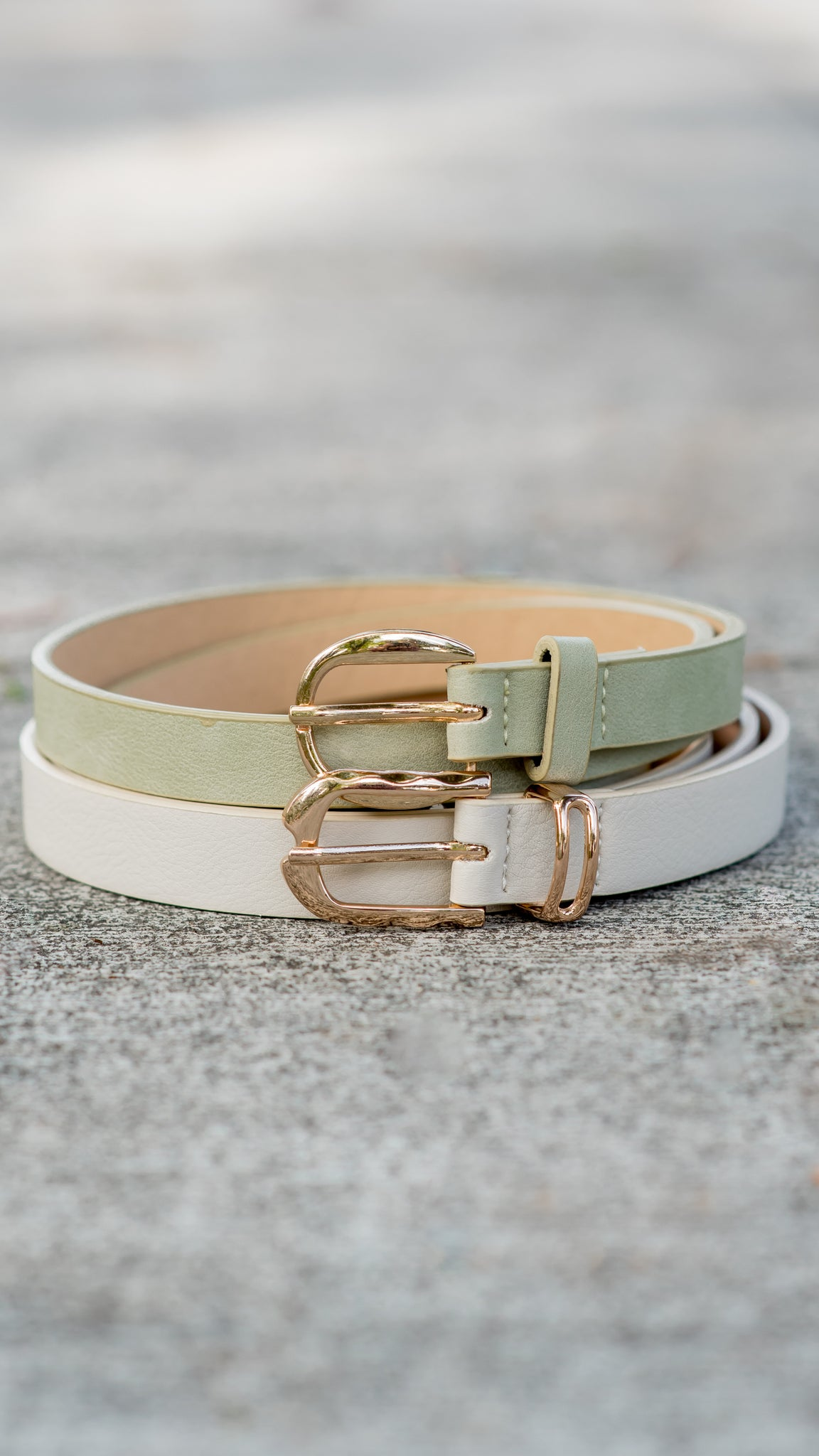 Spring into it Essential Belt- 2 Colors!