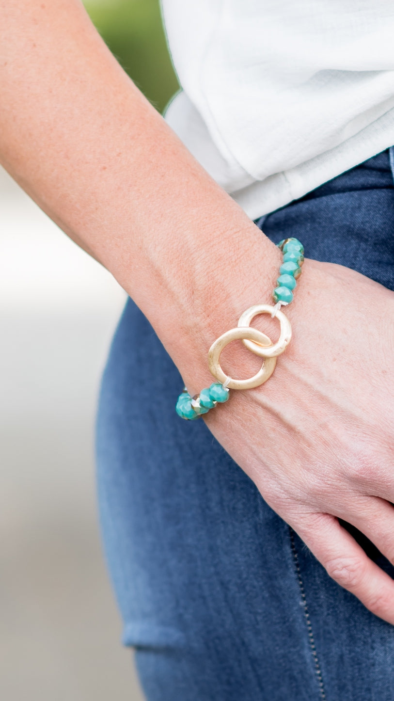 Glimmering Turquoise Golden Rings Stretch Bracelet