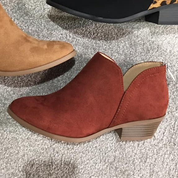 Basic Babe Bootie- Rust