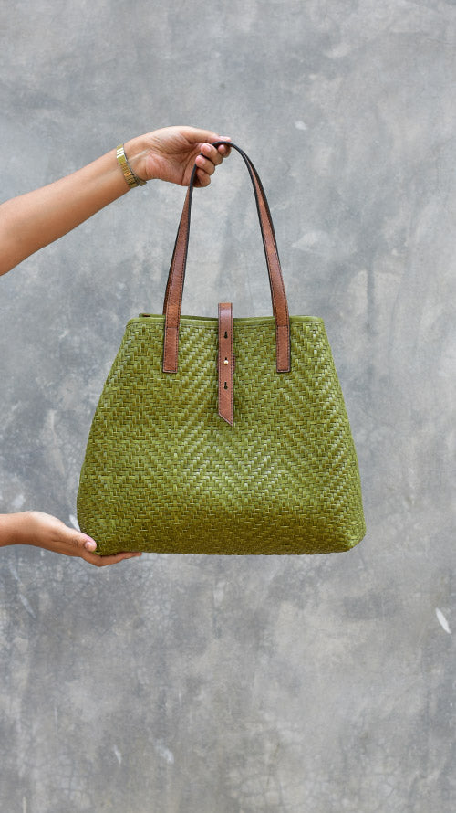 Woven Olive Lazy Bailey