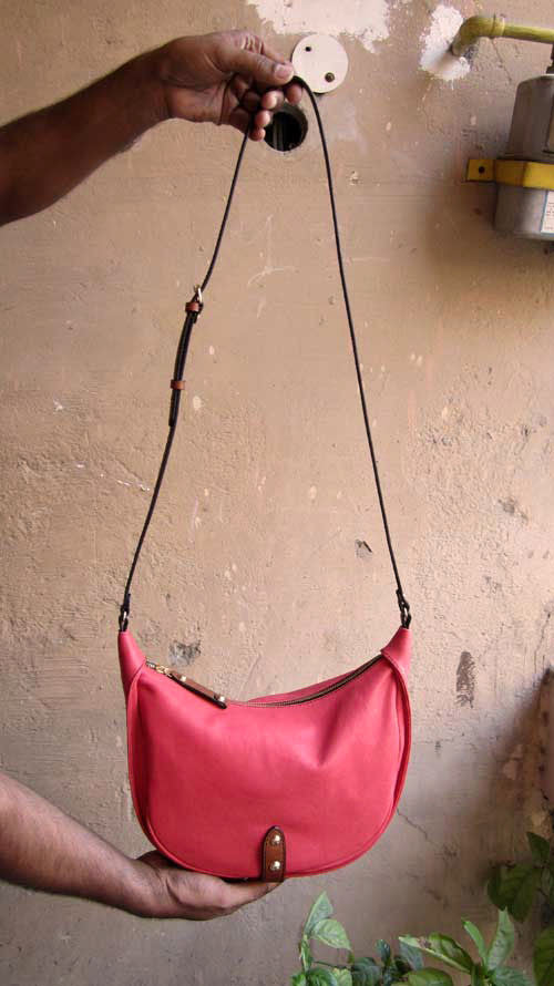 Coral Little Caro, Chiaroscuro, India, Pure Leather, Handbag, Bag, Workshop Made, Leather, Bags, Handmade, Artisanal, Leather Work, Leather Workshop, Fashion, Women's Fashion, Women's Accessories, Accessories, Handcrafted, Made In India, Chiaroscuro Bags - 1