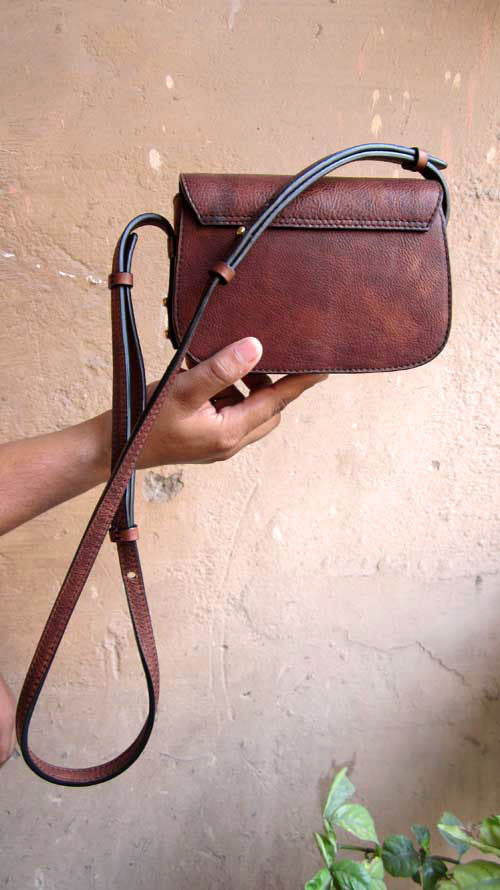 Burnt Sienna Little Stefanie, Chiaroscuro, India, Pure Leather, Handbag, Bag, Workshop Made, Leather, Bags, Handmade, Artisanal, Leather Work, Leather Workshop, Fashion, Women's Fashion, Women's Accessories, Accessories, Handcrafted, Made In India, Chiaroscuro Bags - 8