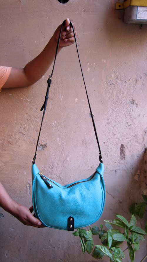 Aqua Little Caro, Chiaroscuro, India, Pure Leather, Handbag, Bag, Workshop Made, Leather, Bags, Handmade, Artisanal, Leather Work, Leather Workshop, Fashion, Women's Fashion, Women's Accessories, Accessories, Handcrafted, Made In India, Chiaroscuro Bags - 3