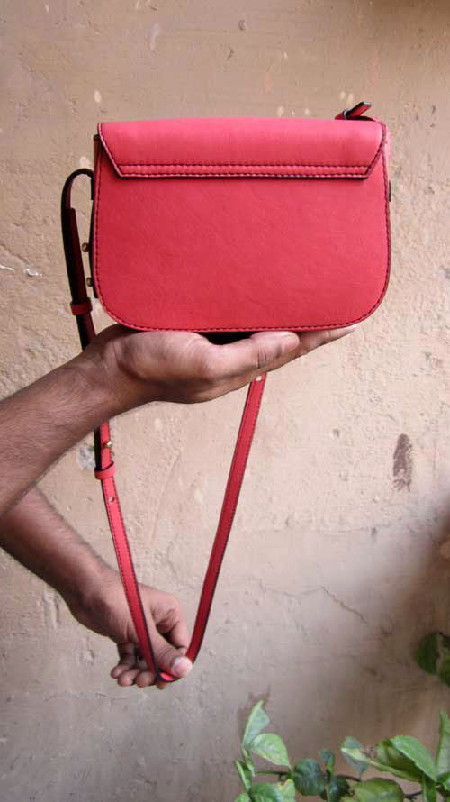 Coral Little Stefanie, Chiaroscuro, India, Pure Leather, Handbag, Bag, Workshop Made, Leather, Bags, Handmade, Artisanal, Leather Work, Leather Workshop, Fashion, Women's Fashion, Women's Accessories, Accessories, Handcrafted, Made In India, Chiaroscuro Bags - 11