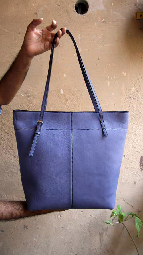Petunia Emma, Chiaroscuro, India, Pure Leather, Handbag, Bag, Workshop Made, Leather, Bags, Handmade, Artisanal, Leather Work, Leather Workshop, Fashion, Women's Fashion, Women's Accessories, Accessories, Handcrafted, Made In India, Chiaroscuro Bags - 11