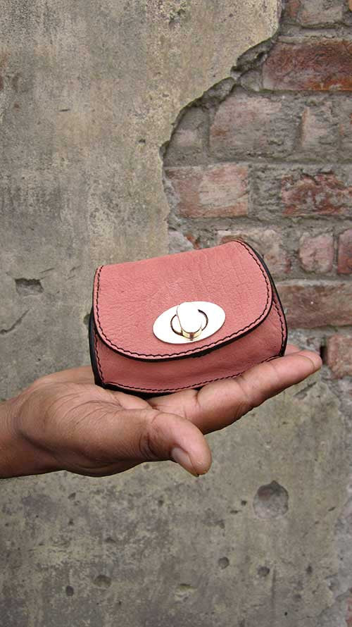 Dusty Rose Nicola, Chiaroscuro, India, Pure Leather, Handbag, Bag, Workshop Made, Leather, Bags, Handmade, Artisanal, Leather Work, Leather Workshop, Fashion, Women's Fashion, Women's Accessories, Accessories, Handcrafted, Made In India, Chiaroscuro Bags - 2