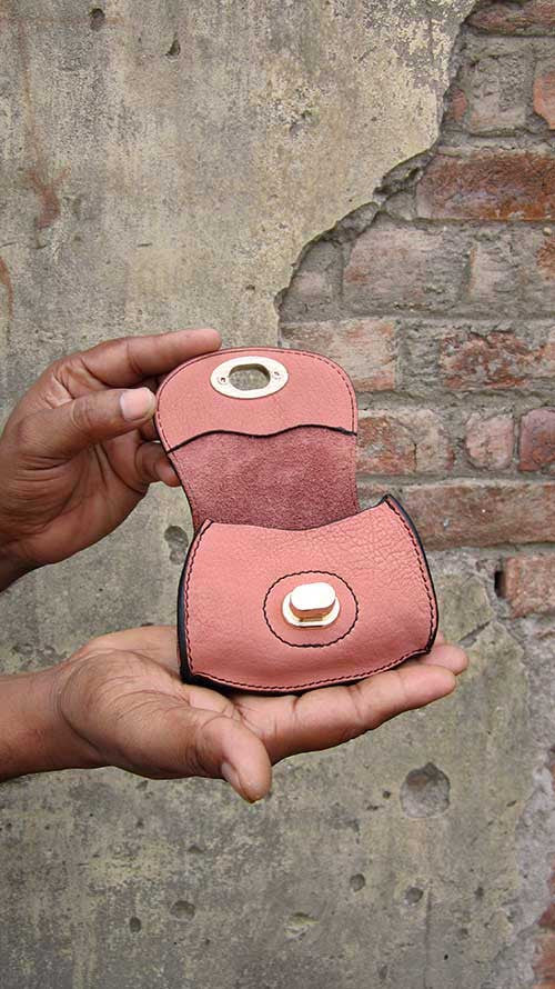 Dusty Rose Nicola, Chiaroscuro, India, Pure Leather, Handbag, Bag, Workshop Made, Leather, Bags, Handmade, Artisanal, Leather Work, Leather Workshop, Fashion, Women's Fashion, Women's Accessories, Accessories, Handcrafted, Made In India, Chiaroscuro Bags - 3