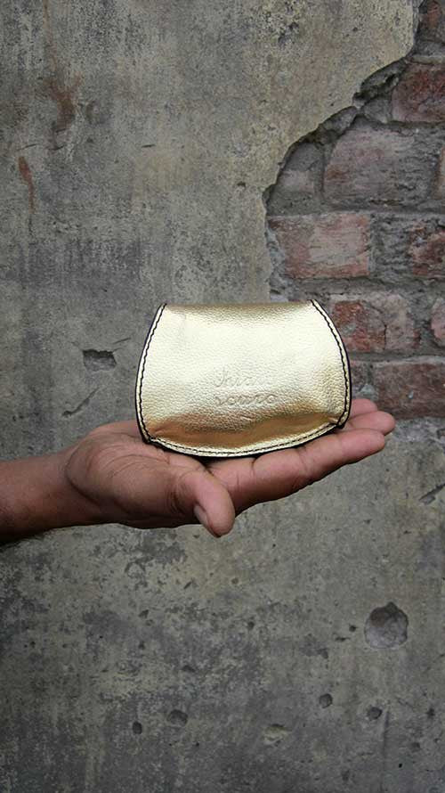 Light Gold Nicola, Chiaroscuro, India, Pure Leather, Handbag, Bag, Workshop Made, Leather, Bags, Handmade, Artisanal, Leather Work, Leather Workshop, Fashion, Women's Fashion, Women's Accessories, Accessories, Handcrafted, Made In India, Chiaroscuro Bags - 3