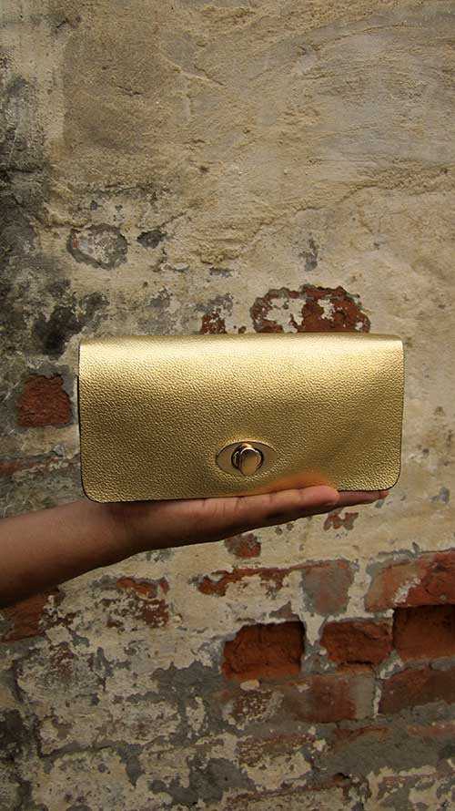 Light Gold Michela, Chiaroscuro, India, Pure Leather, Handbag, Bag, Workshop Made, Leather, Bags, Handmade, Artisanal, Leather Work, Leather Workshop, Fashion, Women's Fashion, Women's Accessories, Accessories, Handcrafted, Made In India, Chiaroscuro Bags - 5