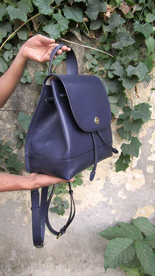 Indigo Bobbie, Chiaroscuro, India, Pure Leather, Handbag, Bag, Workshop Made, Leather, Bags, Handmade, Artisanal, Leather Work, Leather Workshop, Fashion, Women's Fashion, Women's Accessories, Accessories, Handcrafted, Made In India, Chiaroscuro Bags - 5
