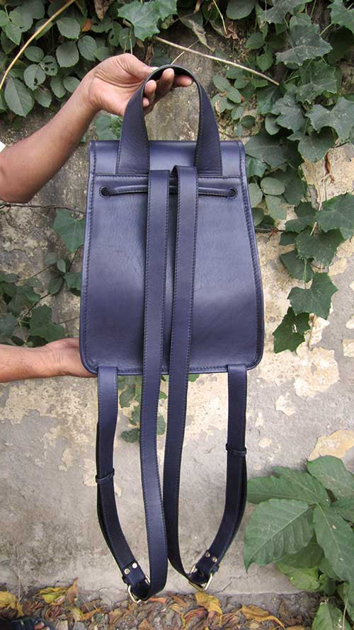 Indigo Bobbie, Chiaroscuro, India, Pure Leather, Handbag, Bag, Workshop Made, Leather, Bags, Handmade, Artisanal, Leather Work, Leather Workshop, Fashion, Women's Fashion, Women's Accessories, Accessories, Handcrafted, Made In India, Chiaroscuro Bags - 2