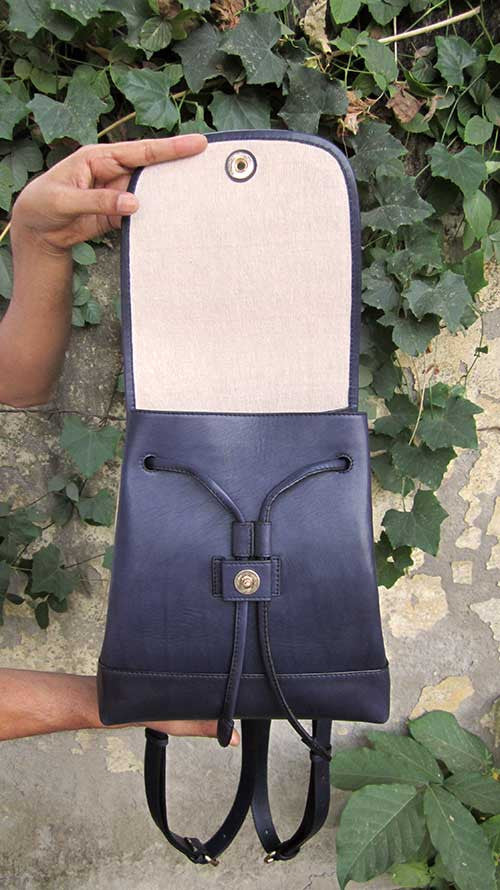 Indigo Bobbie, Chiaroscuro, India, Pure Leather, Handbag, Bag, Workshop Made, Leather, Bags, Handmade, Artisanal, Leather Work, Leather Workshop, Fashion, Women's Fashion, Women's Accessories, Accessories, Handcrafted, Made In India, Chiaroscuro Bags - 8