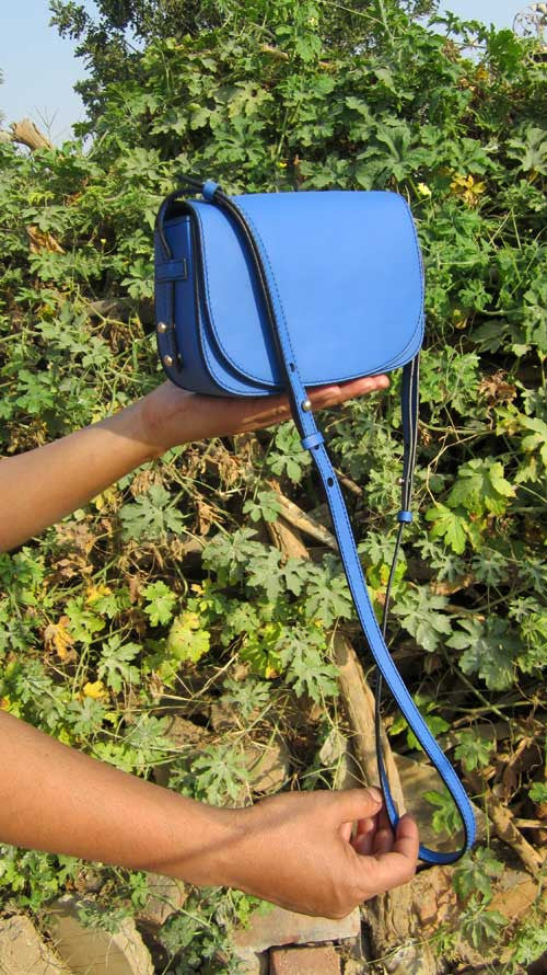 Cobalt Little Stefanie, Chiaroscuro, India, Pure Leather, Handbag, Bag, Workshop Made, Leather, Bags, Handmade, Artisanal, Leather Work, Leather Workshop, Fashion, Women's Fashion, Women's Accessories, Accessories, Handcrafted, Made In India, Chiaroscuro Bags - 6