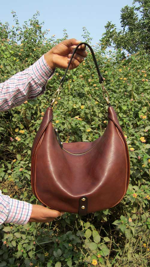 Burnt Sienna Big Caro, Chiaroscuro, India, Pure Leather, Handbag, Bag, Workshop Made, Leather, Bags, Handmade, Artisanal, Leather Work, Leather Workshop, Fashion, Women's Fashion, Women's Accessories, Accessories, Handcrafted, Made In India, Chiaroscuro Bags - 2