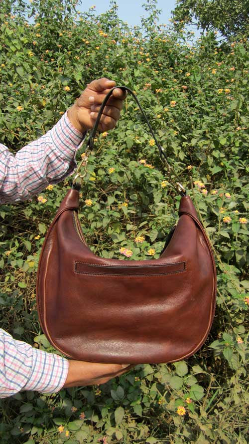 Burnt Sienna Big Caro, Chiaroscuro, India, Pure Leather, Handbag, Bag, Workshop Made, Leather, Bags, Handmade, Artisanal, Leather Work, Leather Workshop, Fashion, Women's Fashion, Women's Accessories, Accessories, Handcrafted, Made In India, Chiaroscuro Bags - 5