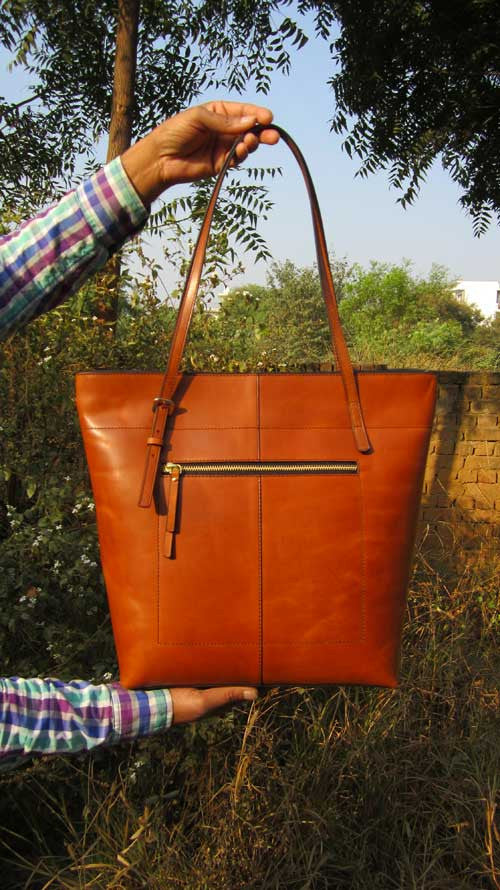 Gingerbread Emma, Chiaroscuro, India, Pure Leather, Handbag, Bag, Workshop Made, Leather, Bags, Handmade, Artisanal, Leather Work, Leather Workshop, Fashion, Women's Fashion, Women's Accessories, Accessories, Handcrafted, Made In India, Chiaroscuro Bags - 2