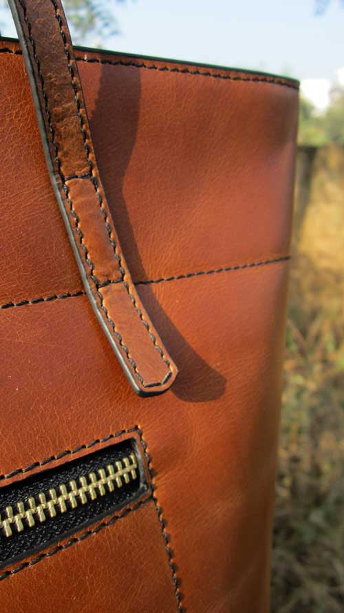 Gingerbread Emma, Chiaroscuro, India, Pure Leather, Handbag, Bag, Workshop Made, Leather, Bags, Handmade, Artisanal, Leather Work, Leather Workshop, Fashion, Women's Fashion, Women's Accessories, Accessories, Handcrafted, Made In India, Chiaroscuro Bags - 11