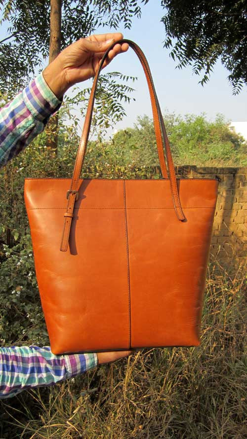 Gingerbread Emma, Chiaroscuro, India, Pure Leather, Handbag, Bag, Workshop Made, Leather, Bags, Handmade, Artisanal, Leather Work, Leather Workshop, Fashion, Women's Fashion, Women's Accessories, Accessories, Handcrafted, Made In India, Chiaroscuro Bags - 12