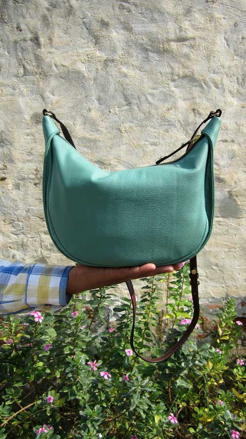 Fern Little Caro, Chiaroscuro, India, Pure Leather, Handbag, Bag, Workshop Made, Leather, Bags, Handmade, Artisanal, Leather Work, Leather Workshop, Fashion, Women's Fashion, Women's Accessories, Accessories, Handcrafted, Made In India, Chiaroscuro Bags - 7
