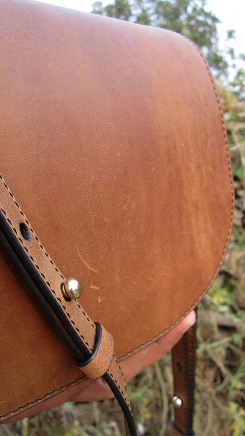 Honey Almond Big Stefanie, Chiaroscuro, India, Pure Leather, Handbag, Bag, Workshop Made, Leather, Bags, Handmade, Artisanal, Leather Work, Leather Workshop, Fashion, Women's Fashion, Women's Accessories, Accessories, Handcrafted, Made In India, Chiaroscuro Bags - 7