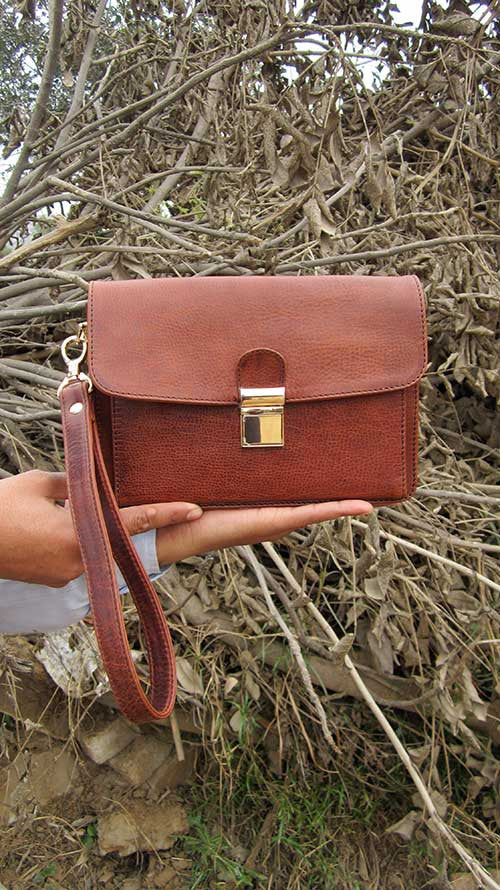 Rajan Wristlet, Chiaroscuro, India, Pure Leather, Handbag, Bag, Workshop Made, Leather, Bags, Handmade, Artisanal, Leather Work, Leather Workshop, Fashion, Women's Fashion, Women's Accessories, Accessories, Handcrafted, Made In India, Chiaroscuro Bags - 1