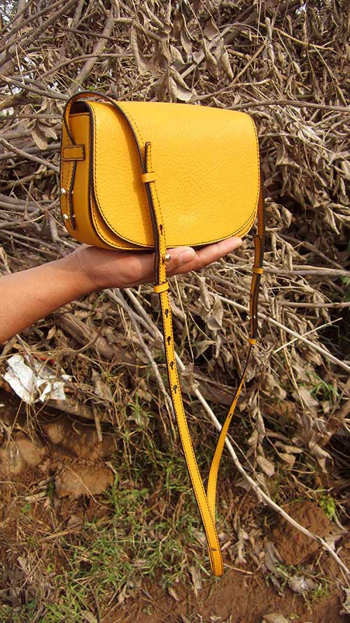 Mango Little Stefanie, Chiaroscuro, India, Pure Leather, Handbag, Bag, Workshop Made, Leather, Bags, Handmade, Artisanal, Leather Work, Leather Workshop, Fashion, Women's Fashion, Women's Accessories, Accessories, Handcrafted, Made In India, Chiaroscuro Bags - 6