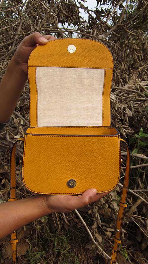 Mango Little Stefanie, Chiaroscuro, India, Pure Leather, Handbag, Bag, Workshop Made, Leather, Bags, Handmade, Artisanal, Leather Work, Leather Workshop, Fashion, Women's Fashion, Women's Accessories, Accessories, Handcrafted, Made In India, Chiaroscuro Bags - 9